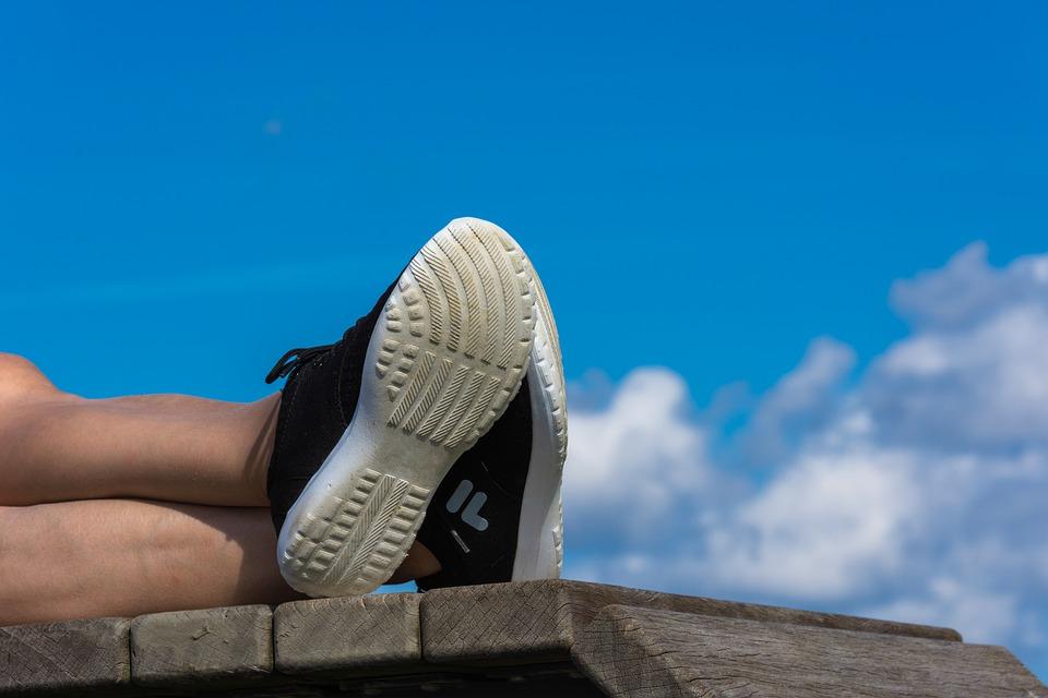 靴底のすり減り方のイメージ写真
