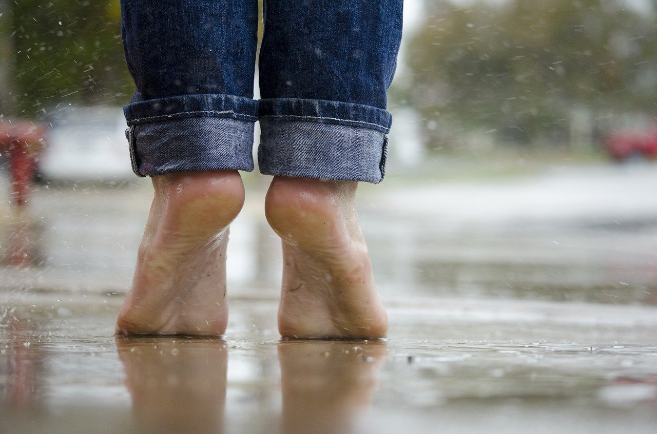 脚やせするなら裸足の時間を作ろう♪筋トレよりまず大切なこと