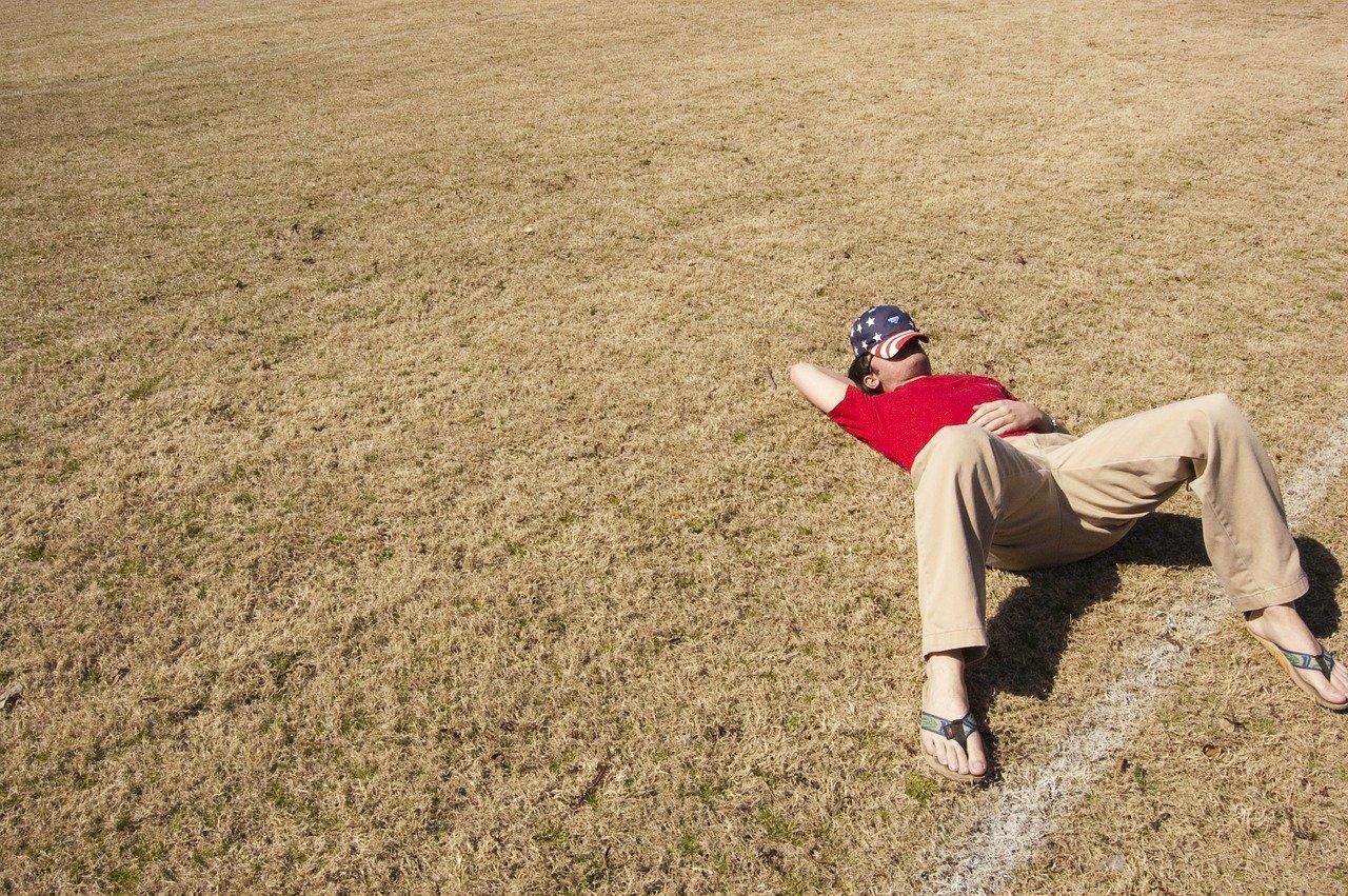 睡眠不足は太る原因!7時間未満の人の体で起こることを解説します。