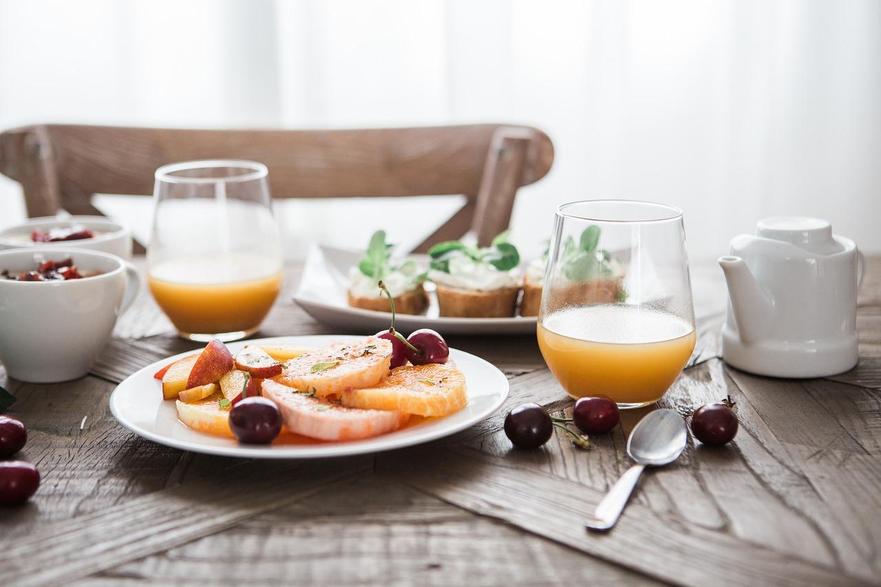 筋トレと食事するならどっちが先?痩せやすい生活習慣を紹介します。
